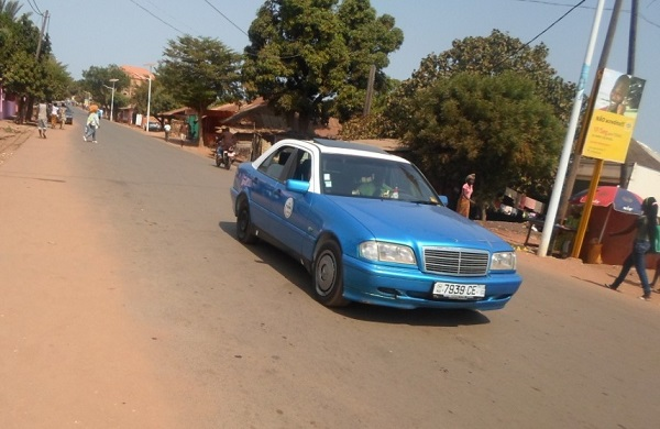 Taxi à Bissau - crédit photo Abdoulaye Barry